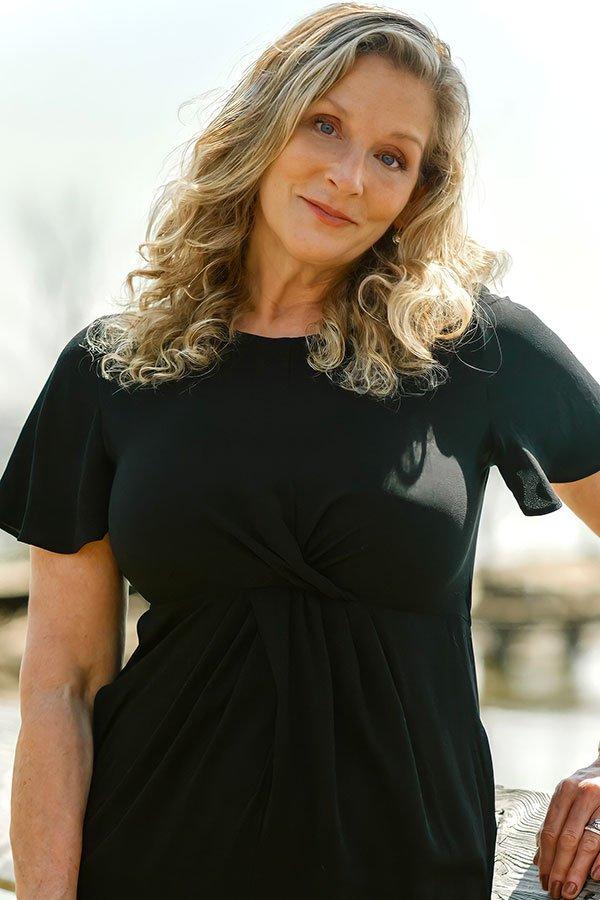 Victoria Ray Henderson